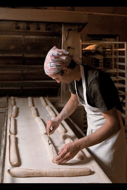 Scoring the bread